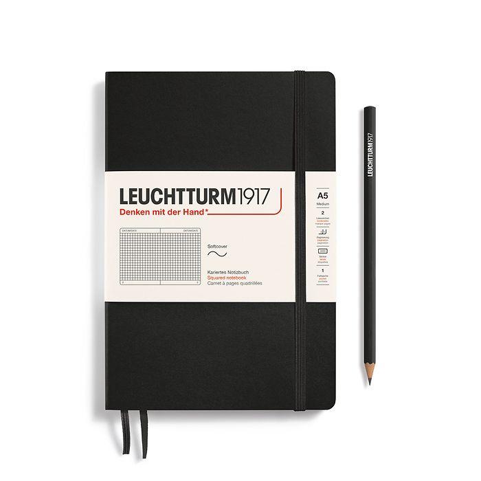 Notizbuch Medium (A5), Softcover, 123 nummerierte Seiten, Schwarz, Kariert