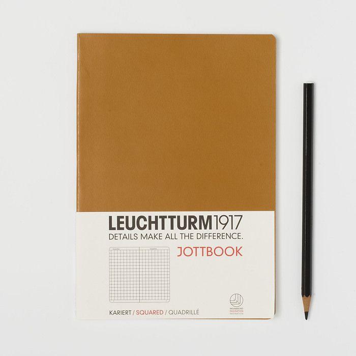Jottbook Medium (A5), 60 nummerierte Seiten, 16 Blatt perforiert, Karamel, Kariert