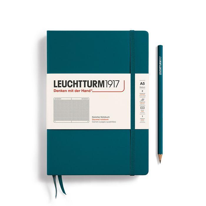 Notizbuch Medium (A5), Hardcover, 251 nummerierte Seiten, Pacific Green, Kariert