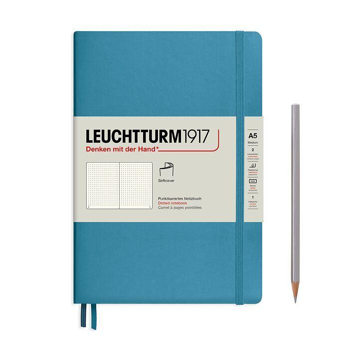 Notizbuch Medium (A5), Softcover, 123 nummerierte Seiten, Nordic Blue, Dotted