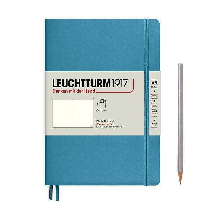 Notizbuch Medium (A5), Softcover, 123 nummerierte Seiten, Nordic Blue, Blanko